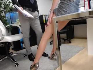 emmas_long_legs Beautiful cummed camgirl sucking a massiva shaft and slurping warm jizz