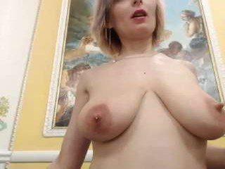 incrediblyomelia Lusty doing cumshow blonde on air licking cream from her divine breasts
