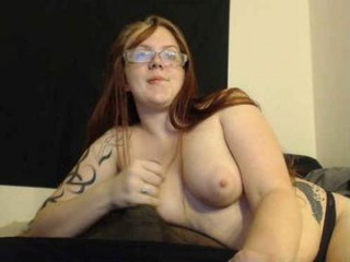 tittymonster19 Smasher doing cumshow brunette on air masturbating on the couch