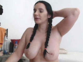darkitten Blue eyed online squirting live cutie Brooke gives fellatio and gets butt fucked