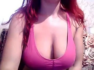 betweenmyboobs Brown haired squirted vixen fucking a large dildo on the chair