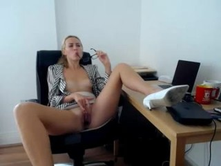 svetlanafeckarova Stimulating blonde doing cumshow camgirl fingering and toying her yummy snatch
