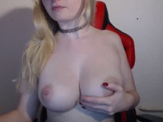veronikavonk Slim online squirting camgirl Love gives oral sex and gets pink asshole fucked hard