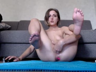 homehornyeva Raven haired cumming Madow sucking and jumping anally a huge dick