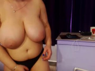 bbylarra Cutie doing cumshow on air with glasses and fishnets masturbating her petite cunny