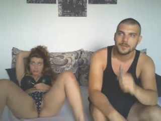 honeyboney96 Round jugged blonde squirted webcamgirl fingering her tight cooshie