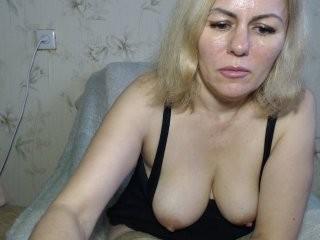 kabyra240980 Arousing cummed in fishnets Justine gives head job and slurps hot cum