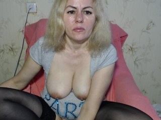 kabyra240980 Bronzed squirted babe with natural tits sucking a massive cock online