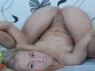 maryhenry Superb blonde squirted babe spreading icecream on her divine jugs online