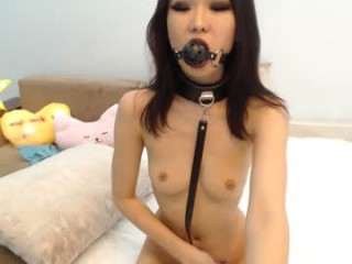lindamei Innocent looking brunette cumming riding a large pecker on the couch