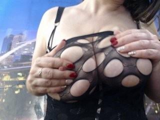 spinners Platinum cummed on webcam licks a big cock head and swallows cum